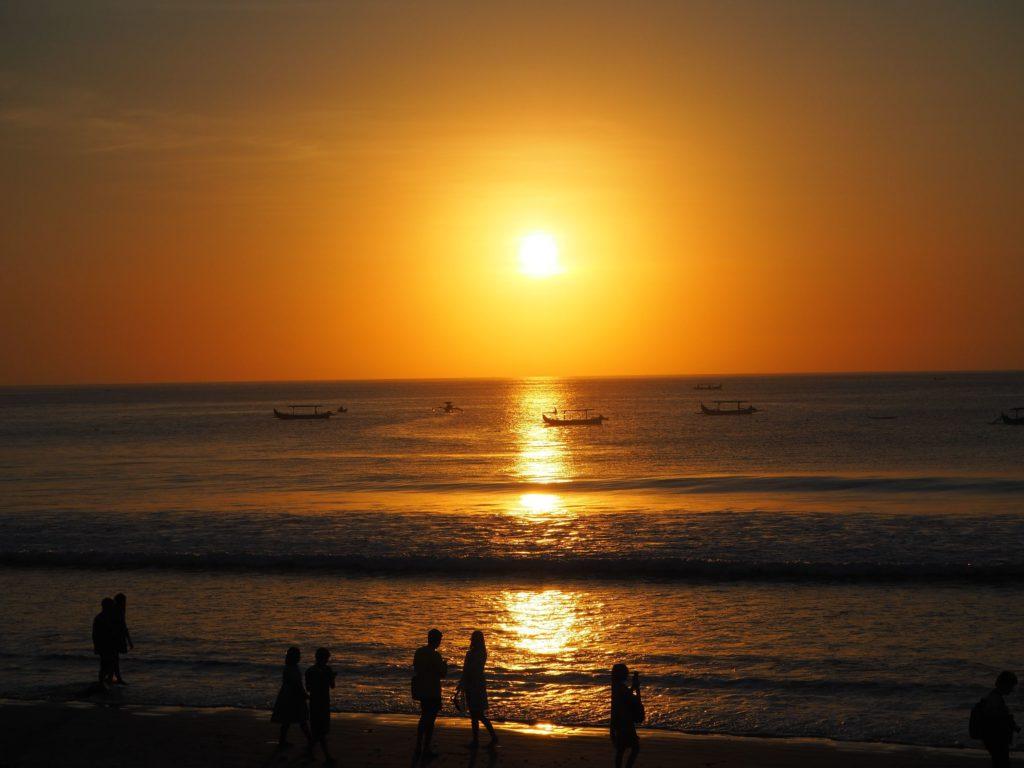 クタビーチの夕陽
